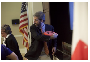 Pablo's throwing a frisbee in The White House